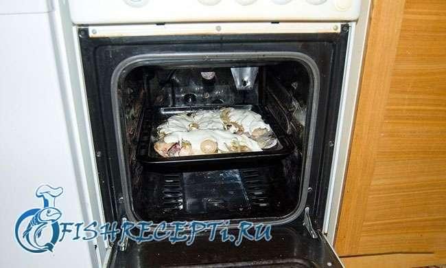 караси запеченные в духовке со сметаной